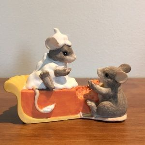 Charming Tails-Pumpkin Pie. Vintage early 1990's.